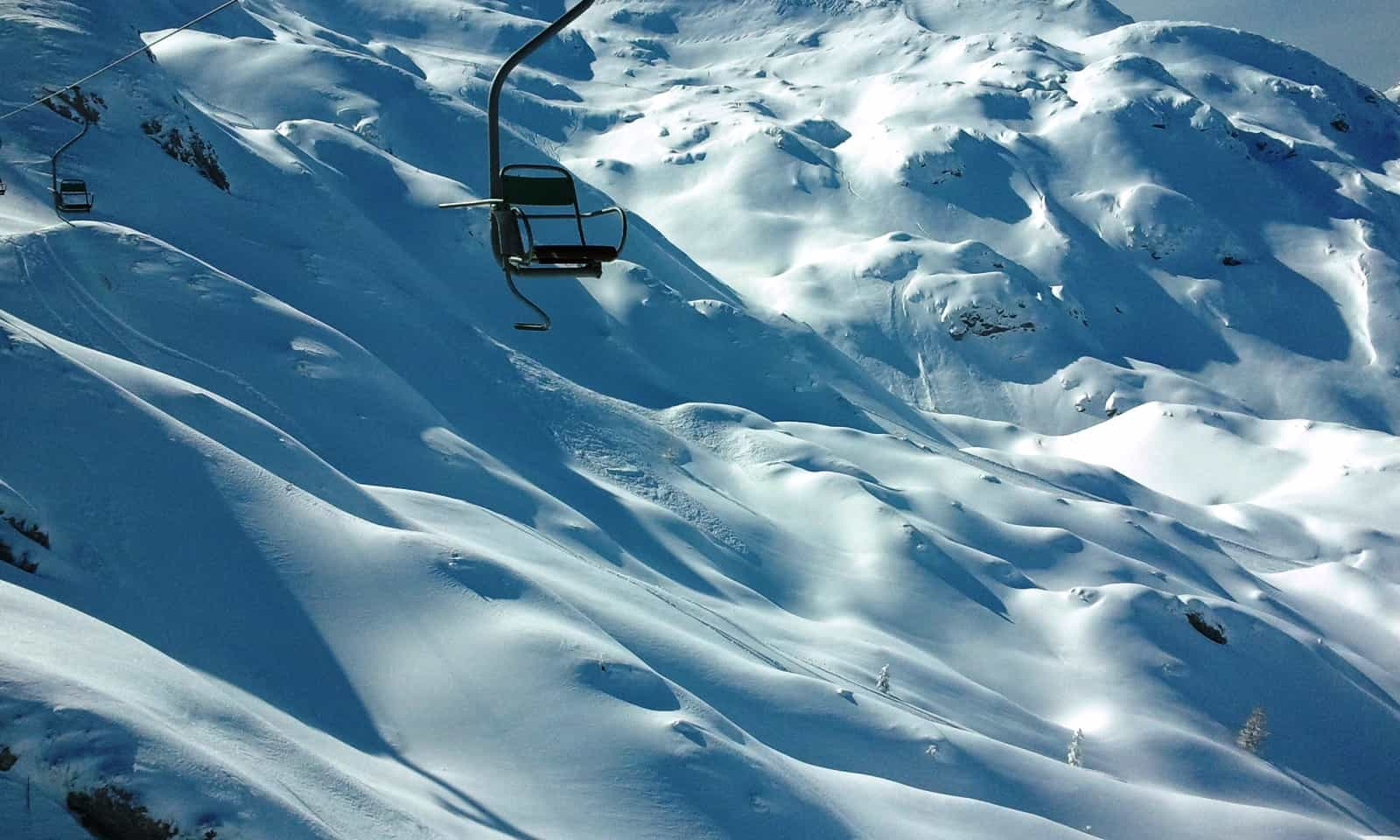 How to snowboard? First you need snow...