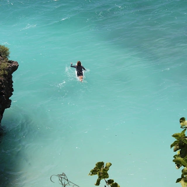 This is how you paddle out from the cave at Uluwatu