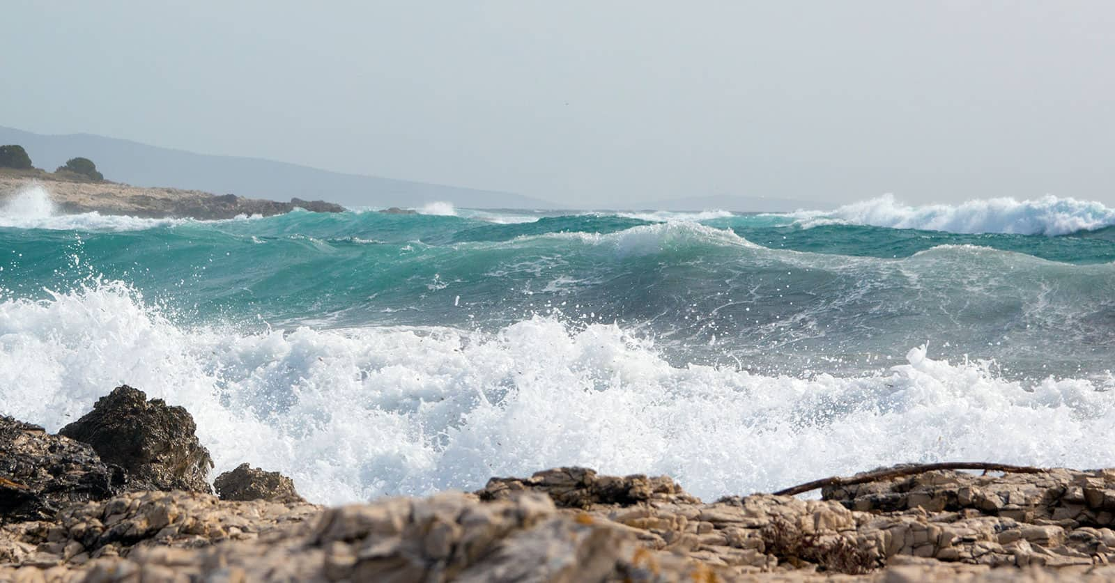 Looking around the corner the waves presented themselves in all the 1.5m glory :).