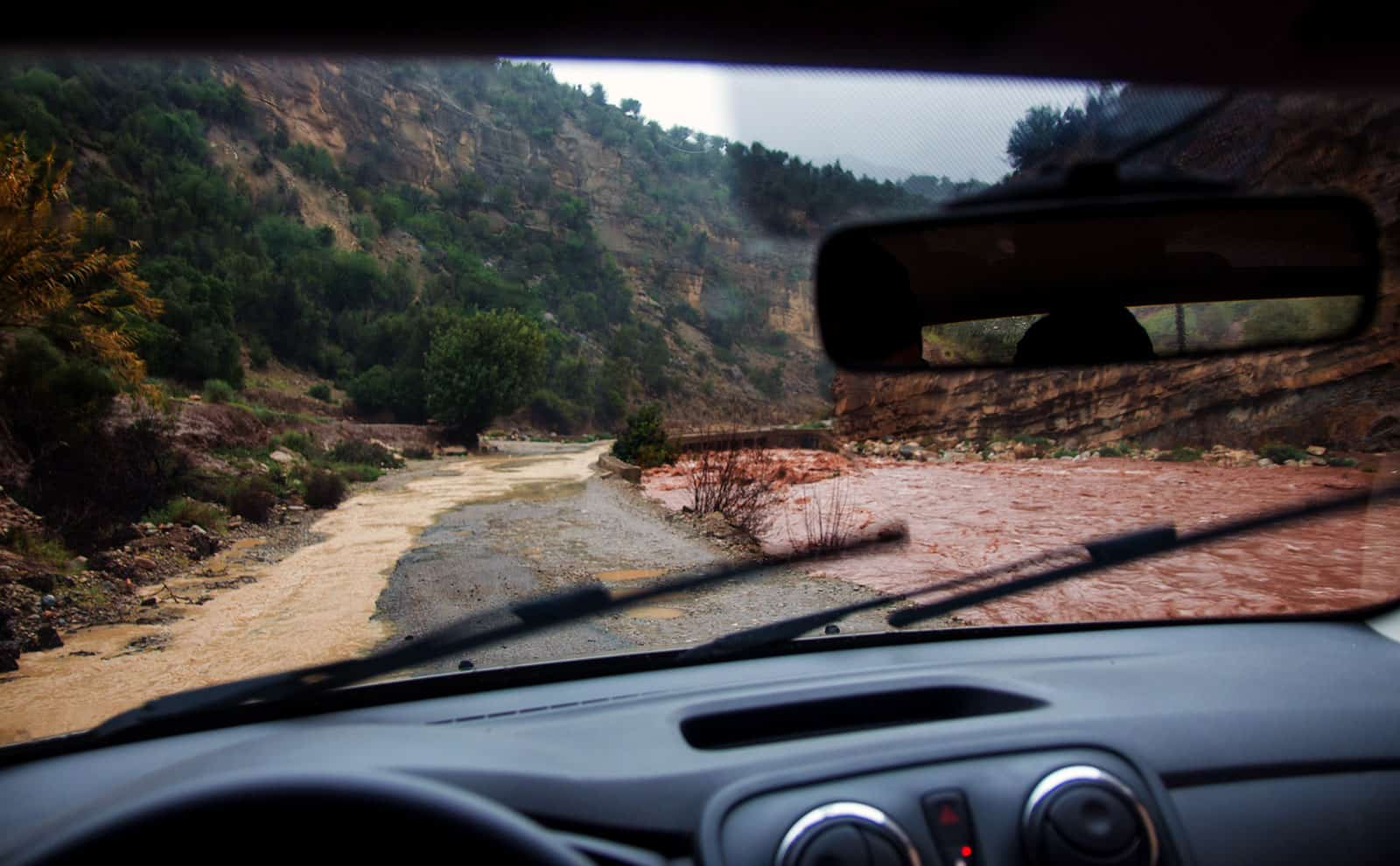 Last day of the trip we were bored with rain so we went for a little drive up into the mountains. I soon got really interesting...